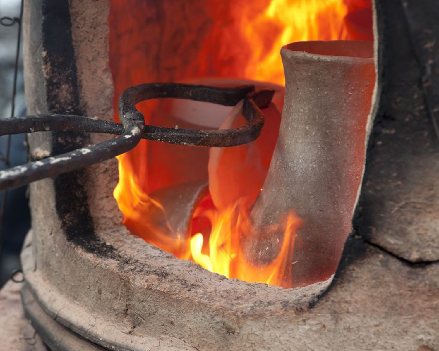 Pottery kiln firing pots