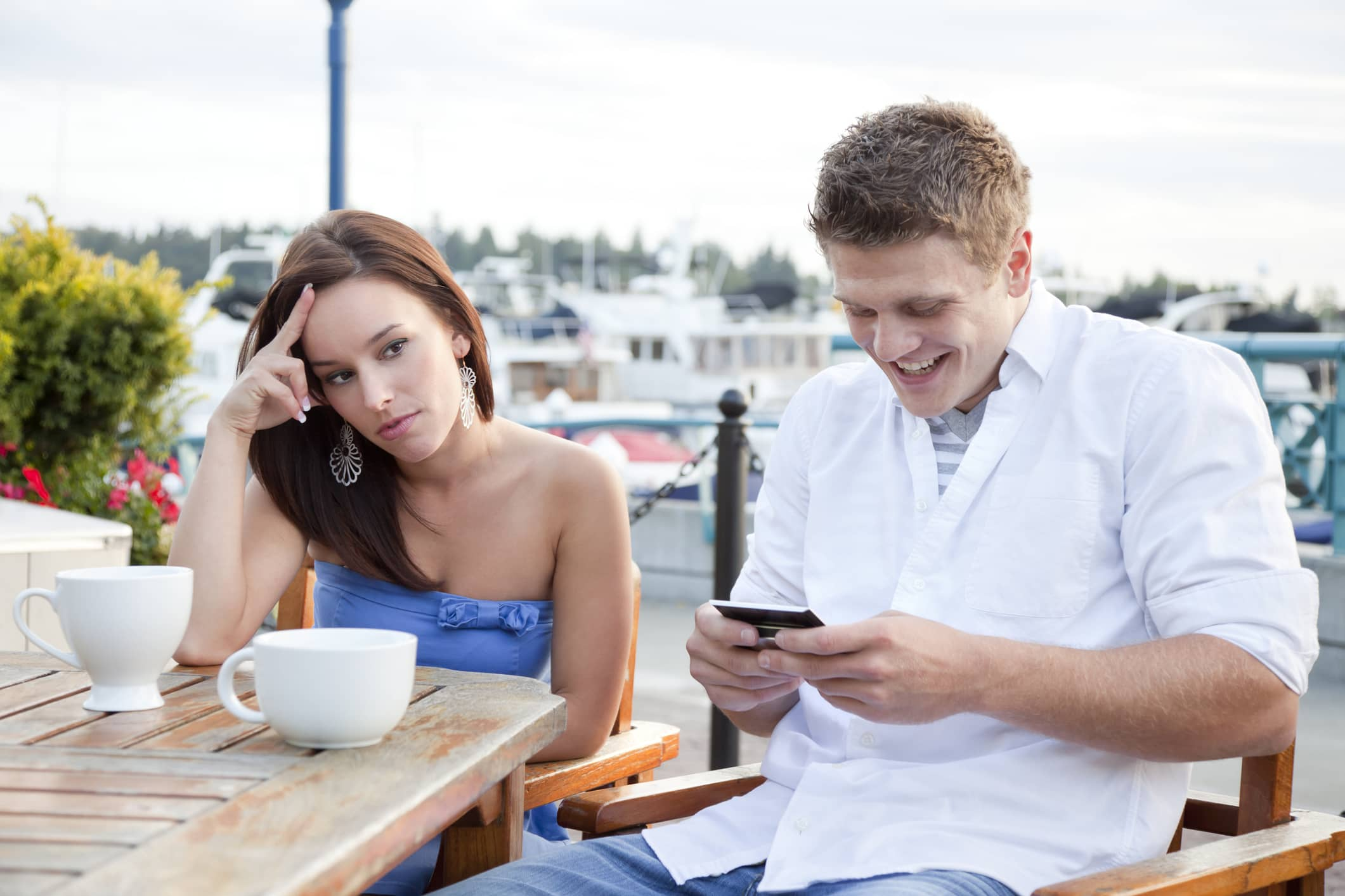 Single people treat online dating like fantasy footballthey keep trying to date out of their league